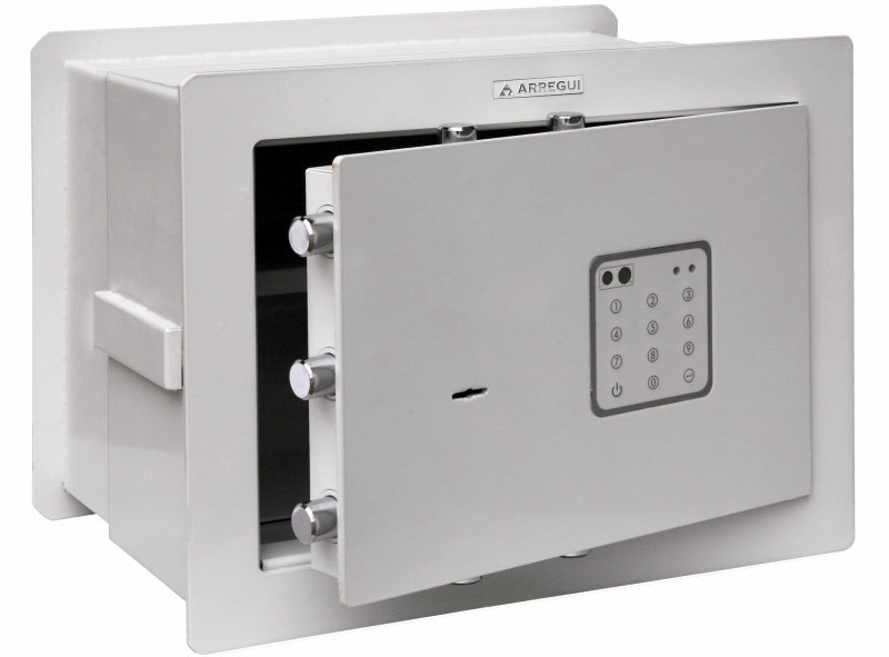 Caja Fuerte de la fábrica Arregui - Modelo Forma - Apertura electrónica con llave de gorjas doble paletón. Bulones de 22 mm de diámetro.