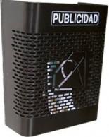 CESTA DE PUBLICIDAD BTV MODELO 241 SERIE DISEÑO. FABRICADA EN ACERO PINTADO EN COLOR NEGRO, TAMAÑO PEQUEÑO. MEDIDAS DE DOSCIENTOS CUARENTA MILIMETROS DE BASE POR TRESCIENTOS MILIMETROS DE ALTURA POR CIENTO TREINTA MILIMETROS DE FONDO. GRAN CAPACIDAD PARA PUBLICIDAD. EXISTEN NUMEROSOS TAMAÑOS Y ACABADOS PARA AJUSTARSE A CADA COMUNIDAD DE PROPIETARIOS.