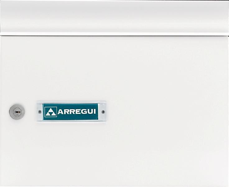 Buzón modelo Milenio Vertical V-4001 con cuerpo de acero de color negro lacado, puerta y tapa de boca de aluminio color Blanco lacado.Boca separada del cuerpo para evitar actos de vandalismo.Apertura lateral.