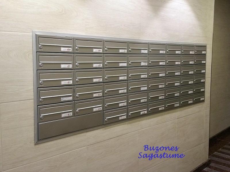Sagastume Buzones -  Buzón Kompact H-270 - Pintura Inox - Distribuidores nacionales de buzones, tablones de anuncios, cestas de publicidad, señalizaciones, papeleras,... dirigido a comunidades de propietarios y administradores de fincas.